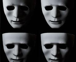 死者の顔の形を取ったデスマスク、ナポレオンとかリンカーンのマスクがこれ