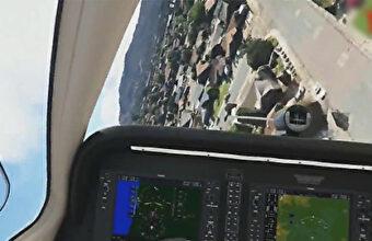 墜落する飛行機のコックピット映像、住宅地に墜落して2人が死亡