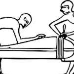 生きたまま肉食の昆虫と一緒に棺に入れて処刑する「ホムダイ」がヤバい